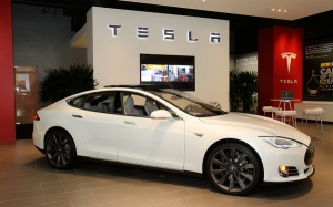 (photo Jacqueline Ramseyer/SVCN/August 27, 2013) Tesla showroom at Santana Row.  T